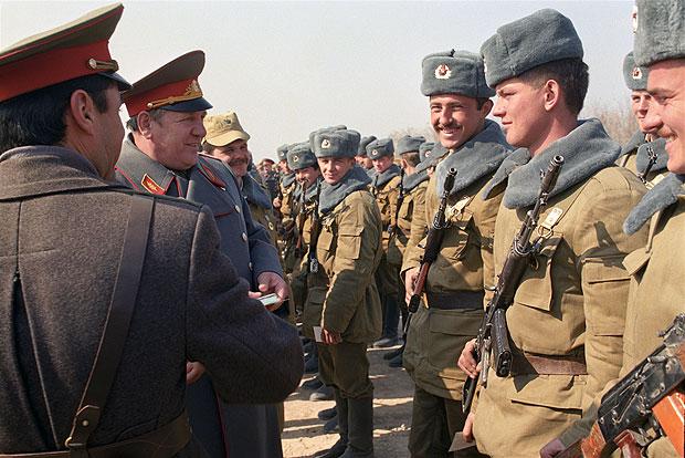 На сколько лет забирали в армию 1998 году