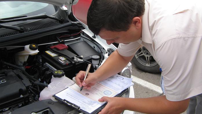 Выдача запасных частей водителю в бюджетной организации