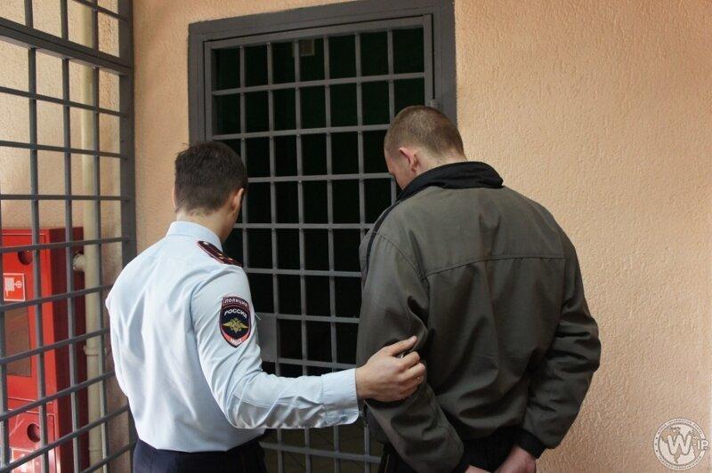 Сколько по закону могут держать в полиции без предъявления обвинения